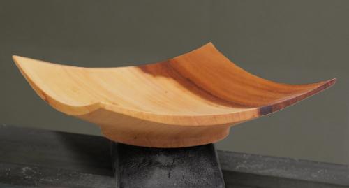 Winged platter